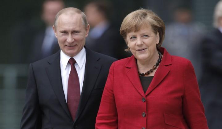 Vladimir Putin i Angela Merkel