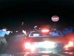 (ВИДЕО) ПРЕТИО МУ И ЗАПУЦАО: Амерички полицајац убио човека који је држао руке увис!