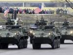 ПОРУКА: Американци на паради у Естонији поздрављени руском заставом!