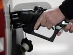 ШОЈБЛЕ: Порез на бензин за лакше решавање мигрантске кризе