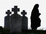 СУЗЕ ЗА МРТВЕ СИНОВЕ: И српске мајке боле ране…