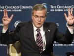 """С КОЛЕНА НА КОЛЕНО: И Буш """"трећи"""" би да води САД, за почетак критике Обамине политике"""