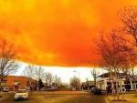 ЕСКПЛОЗИЈА КОД БАРСЕЛОНЕ: Наранџасти облак преплашио Шпанце