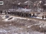 БЕГ ИЗ ПАКЛА ДЕБАЉЦЕВА: Стотине украјинских војника предаје оружје и диже руке увис!