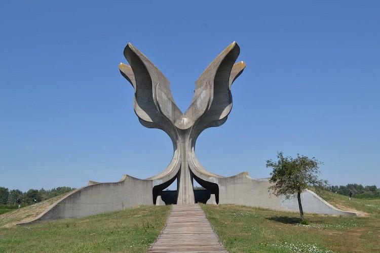 Jasenovac spomenik