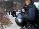 СРАМОТА У ГЊИЛАНУ: Албанци скинули таблице са аутобуса и избацили српске ђаке, деца остављена на путу