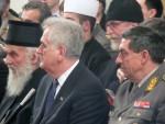 ПАТРИЈАРХ ИРИНЕЈ ОТВОРИО ИЗЛОЖБУ О ВОЈНОМ СВЕШТЕНСТВУ: Српска црква је увек била са народом, страдање народа је страдање и цркве