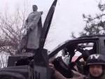 СМРТ ВОЂЕ АЗОВА: Командир украјинских нациста се закуцао у споменик Црвеној армији и погинуо на месту