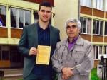 ЛЕПОСАВИЋ: Професор од пензије дарује најбоље ђаке – спортисте