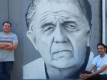 ПОГЛЕДАЈТЕ: Легендарни Бора Тодоровић добио мурал у дворишту Атељеа 212