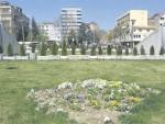 ВАРЉИВИ МИР: Дуге цеви и Парк мира чувају Србе у Северној Митровици