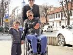 ПОБЕДНИК У ЖИВОТУ: После удеса остала тежак инвалид, али је пребродила недаће – завршила факултет, запослила се, удала и добила сина