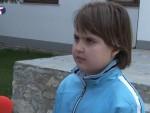 (ВИДЕО) И ЊОЈ СТИГАО УСКРШЊИ ПОКЛОН: Ово је мала Милица, једини српски основац у Призрену