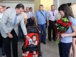 ДОБОЈ: Додик уручио новчану помоћ малој Ани Раљић