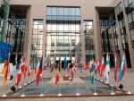 ЕК: Србија ће испливати из рецесије у 2016.
