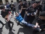 ПРИВЕДЕНО ВИШЕ ГЕЈ АКТИВИСТА: Хтјели да парадирају Москвом упркос забрани