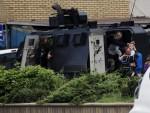 ДРАМАТИЧНА ЗАВРШНИЦА У КУМАНОВУ: Убијена три полицајца у сукобима, терористи побијени или се предали