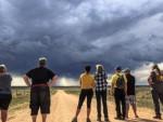 ЛОВЦИ НА ОЛУЈЕ: Њих не плаши ни подивљали торнадо