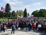 КРАЈ СПОМЕНИКА СОВЈЕТСКИМ ВОЈНИЦИМА: Срдачан дочек за Ноћне вукове у Братислави