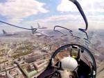 (ВИДЕО) ФАНТАСТИЧНИ КАДРОВИ: Како је бити пилот за време параде?