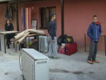 КОСОВСКА МИТРОВИЦА: Из куће исељена српска породица