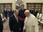 ВАТИКАН: Путин добио од папе медаљу Анђела миротворца