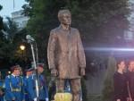 НОСИЛАЦ ИДЕЈЕ ОСЛОБОЂЕЊА ОД РОПСТВА: Николић и Додик на откривању споменика Принципу