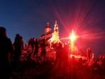 ПРАЗНИК СВЕТЕ ТРОЈИЦЕ У ЦРНОЈ ГОРИ: Крст Јована Владимира обасјао Румију