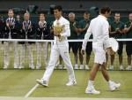 ПОБЕДИО ФЕДЕРЕРА, ПУБЛИКУ И БРИТАНСКЕ МЕДИЈЕ: Ђоковић успоставио нови светски поредак у тенису