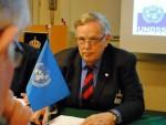ХАРСТОН: Клинтон да се стиди својих изјава у Сребреници