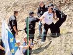 ПРЕМИЈЕР КАМЕНОВАН, КРИВЦА НЕМА: Сарајево равнодушно на покушај убиства Вучића