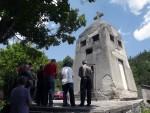 ВИШЕГРАД: Служен парастос српским војницима у спомен-капели у Вардишту