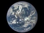 УБРЗАНО ТОПЉЕЊЕ ЛЕДЕНИХ КАПА И ПРОМЈЕНЕ У ПРИРОДИ: Земљина оса се помјера на исток