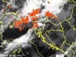 СЛЕДЕЋА СТАНИЦА: СРБИЈА Град и киша у Истри, громови изазвали пожаре. Бихаћ после невремена остао без струје