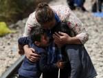 ТУГА: Иза жице међу избјеглицама 25 дјеце без родитеља