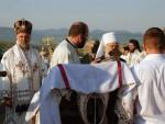 ПРЕБИЛОВЦИ: Патријарх Иринеј дочекао литију с костима пребиловачких новомученика