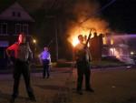 СЕНТ ЛУИС: Полицајци с леђа убили тамнопутог тинејџера