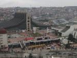ПРИШТИНА: Полициjа и Kфор опколили зграде парламента и владе