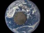 СПЕКТАКУЛАРНО: Тамна страна Месеца (видео)