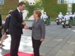 МЕРКЕЛОВА ЗАДОВОЉНА: Србија нуди још три центра за избјеглице, а заузврат тражи инвестиције