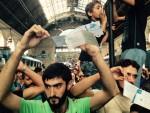 """ЕВРОПА СТЕЖЕ ГРАНИЦЕ, СРБИЈИ ПРЕПОРУКА ДА МИГРАНТИМА ДАЈЕ ИЗБЕГЛИЧКИ СТАТУС: Азилантима траже """"шенгенску"""" визу"""