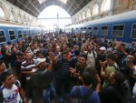 НЕМА ПРОЛАЗА: Мађарска затворила главну железничку станицу