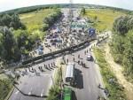 СРБИЈА ОКОВАНА: Блокирали путеве до школа и болница