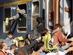 ЂУРАШКОВИЋ: Мере Мађарске мењају машруту избеглица