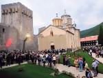 БЕОГРАД: Црквама враћено две трећине поседа и половина објеката