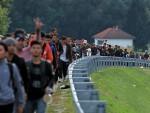 БЕОГРАД: Вучић затвара границе ако буде најезде миграната