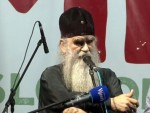 МИТРОПОЛИТ АМФИЛОХИЈЕ: Не бавим се политиком, бринем о души народа