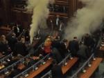 НЕРЕДИ У ПРИШТИНИ: Молотовљеви коктели, сузавци и скупштина без опозиције