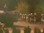 ПОДГОРИЦА: Полиција сузавцем растјерује демонстранте у Подгорици