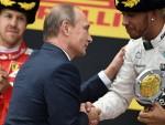 ФОРМУЛА 1: Путин уручио награде победницима у Сочију